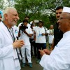 Two-great-souls-meet,-Sir-meets-Padmabhushan-Anna-Hazare,-Ralegansiddhi
