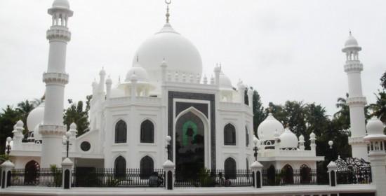 Sheikh Masjid at Karunagapally-by Govindan Gopalakrishnan