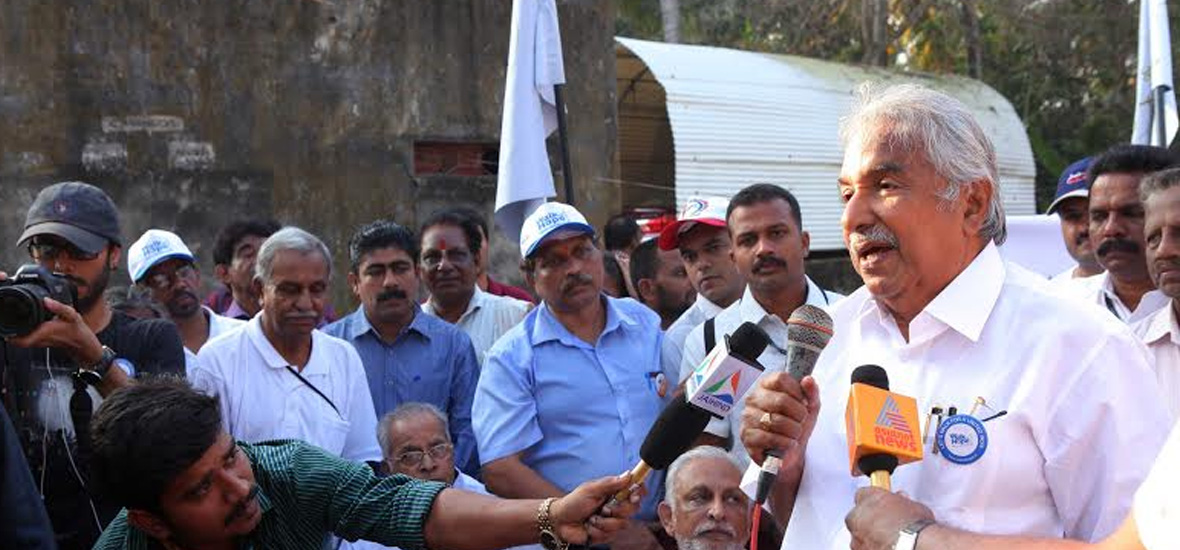 Oommen-Chandy-Kerala-CM-speaks-at-the-Walk-of-Hope-at-Nemom